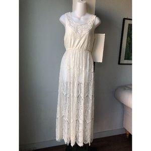 White laced maxi dress size L